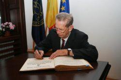 Titlul de Doctor Honoris Causa acordat Regelui Mihai I al României